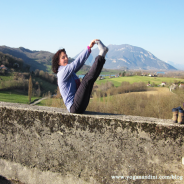 Se renforcer avec les postures d' équilibre